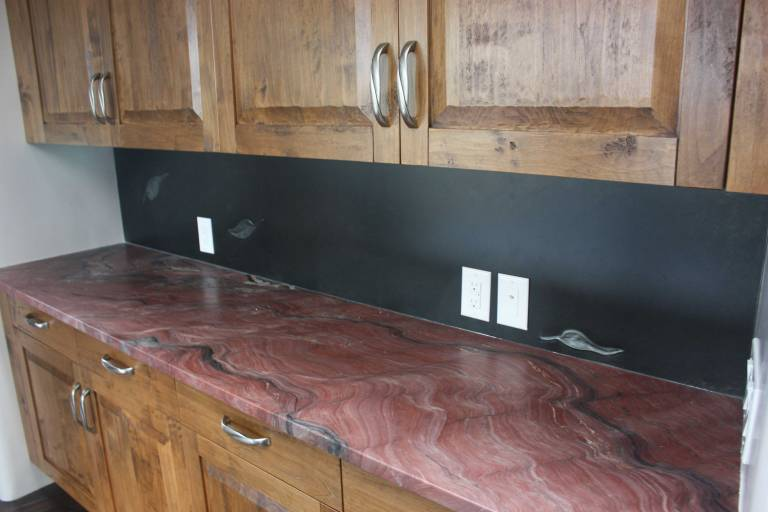 Additional zinc backsplash